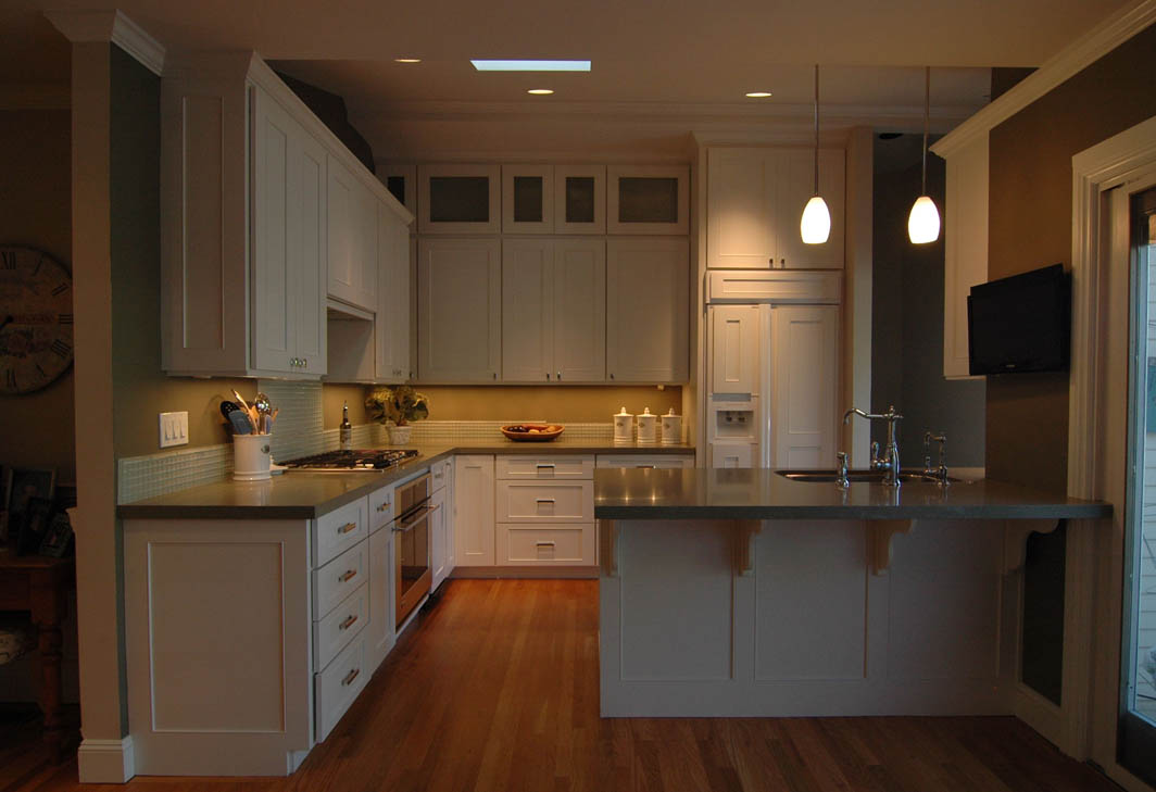 high end kitchen cabinets.  High end Kitchen with Painted White Cabinets